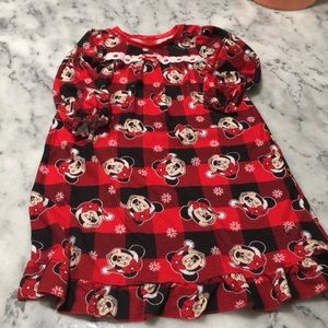 4/$25 Disney 2T Minnie mouse nightgown.